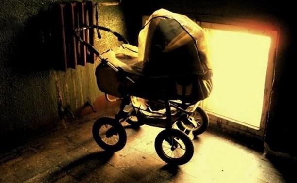 В Новомосковске две женщины украли велосипед и коляски