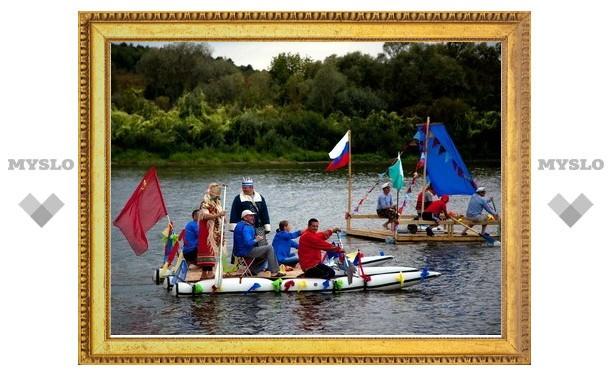 Плоты прошли парадом по реке Оке в Тульской области