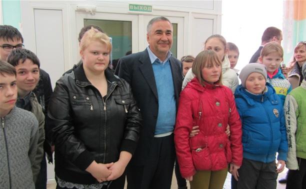 Рафик Папян отремонтировал полы в тульской школе-интернате