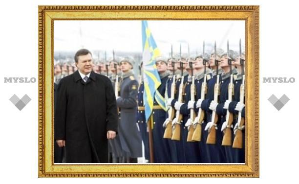 Янукович предложил провести в Севастополе совместный с Россией парад