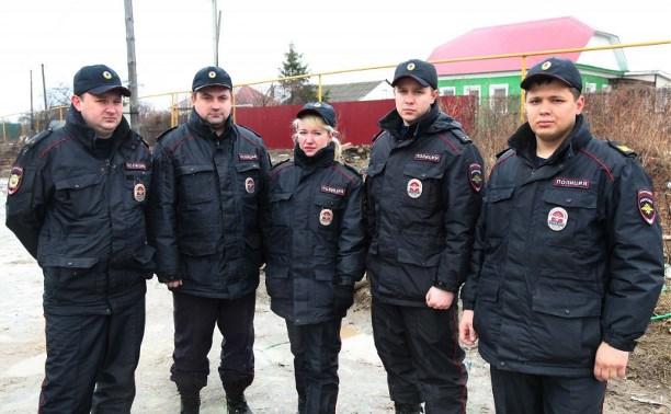 Сотрудники тульской полиции спасли на пожаре в Плеханово 15 человек