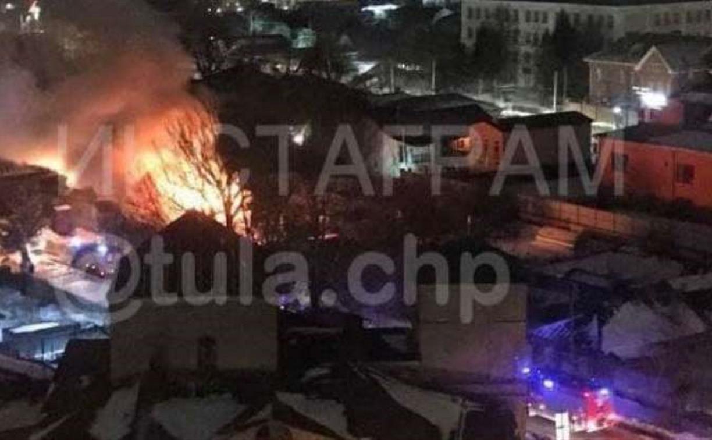На ул. Пионерской в Туле загорелся частный дом