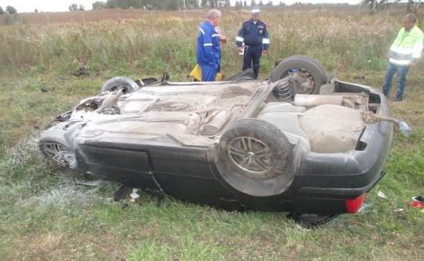 В Тульской области автомобиль съехал в кювет, есть пострадавшие