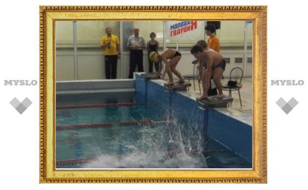 В Ефремове юные пловцы разыграли медали