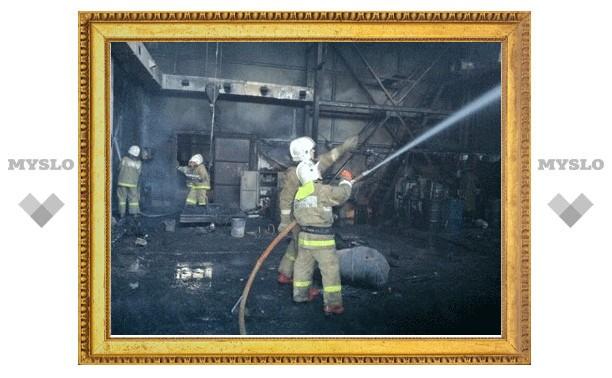 При пожаре на заводе в Туле сгорел рабочий