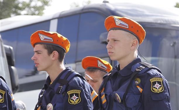 """Школьники со всей России приехали в тульскую """"школу безопасности"""""""