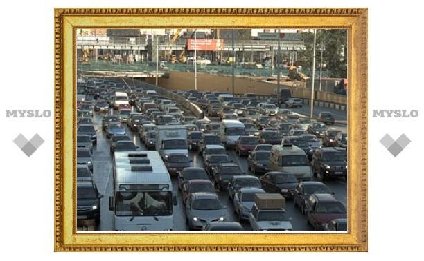 Дмитрий Медведев снизил транспортный налог вдвое