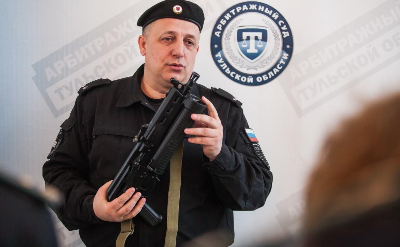 В семи тульских судах несут службу вооруженные судебные приставы