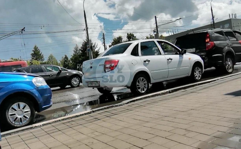 На пр. Ленина в Туле столкнулись три авто
