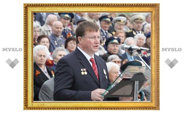 Вячеслав Дудка поздравил ветеранов с Днем Победы