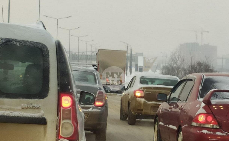 В Туле затруднено движение из-за неработающих светофоров и ДТП
