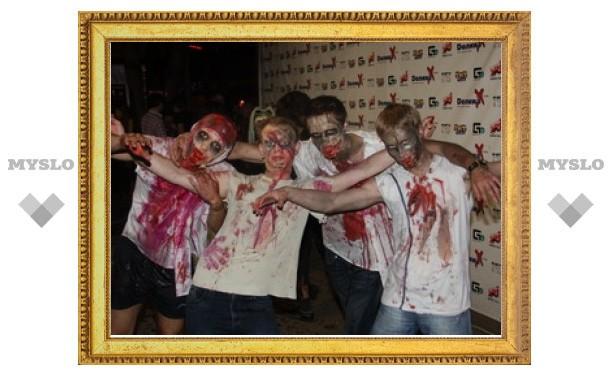"""""""Долину X"""" атаковали зомби!"""