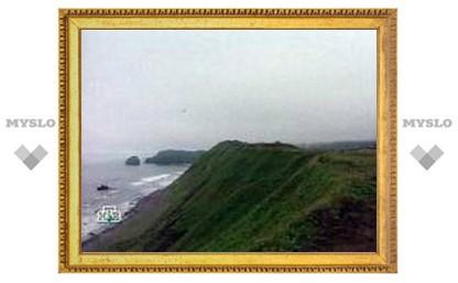 Возле Курильских островов затонула российская шхуна
