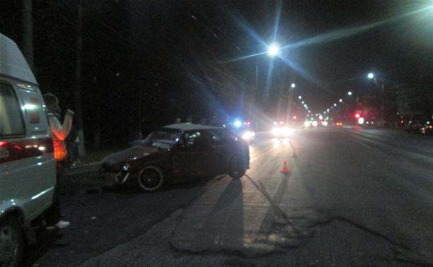 На проспекте Ленина вечером столкнулись две легковушки