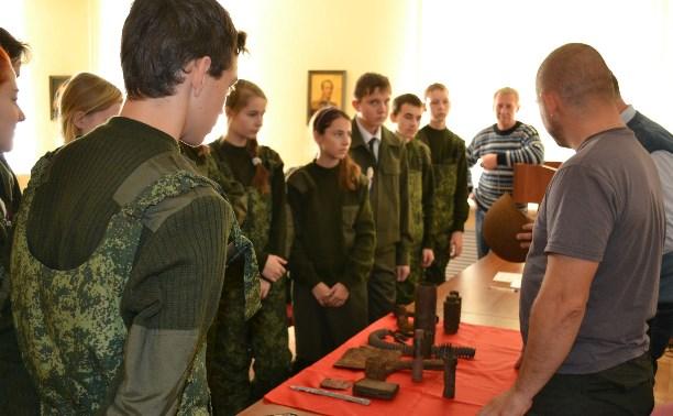 Поисковики передали тульскому музею Поста №1 находки времен войны