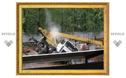 В Туле упал строительный кран