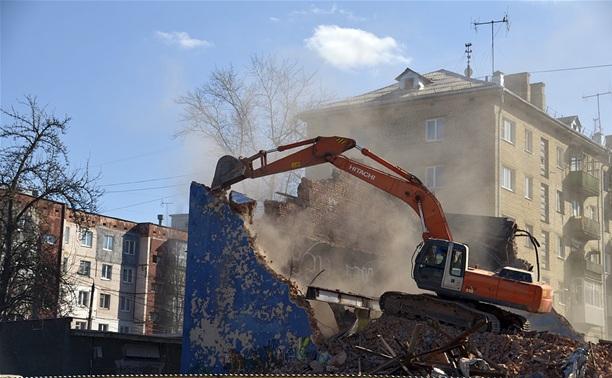 Снос бывшего кинотеатра «Космос» завершен