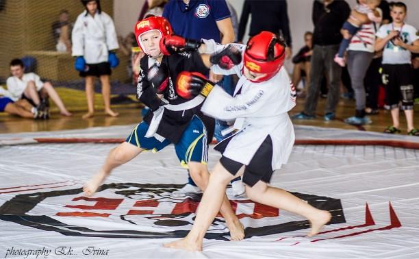 Туляки стали первыми на открытом турнире по смешанным единоборствам в Химках