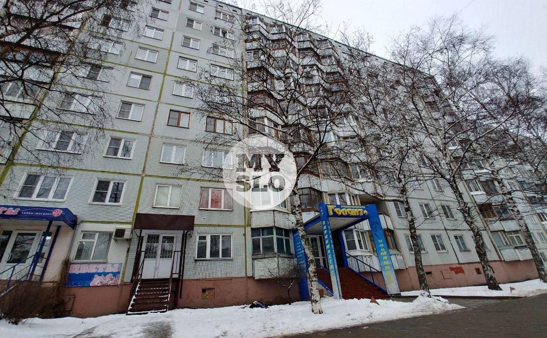 В Туле на ул. Октябрьской из окна 8-го этажа выпал мужчина