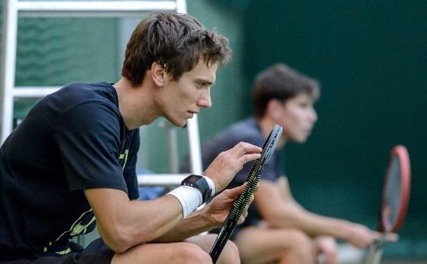 Тульский теннисист Андрей Кузнецов не сумел выйти в полуфинал турнира в Барселоне