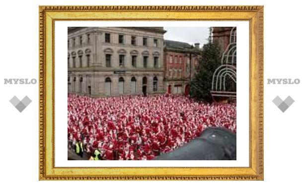 В португальском Порто собрались более 14000 Санта-Клаусов
