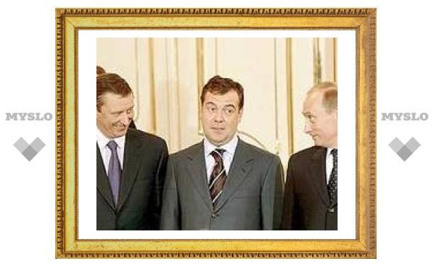 Путин поддержал кандидатуру Медведева в качестве нового президента России