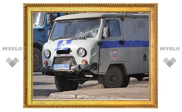 Полицейский УАЗик сбил скутериста