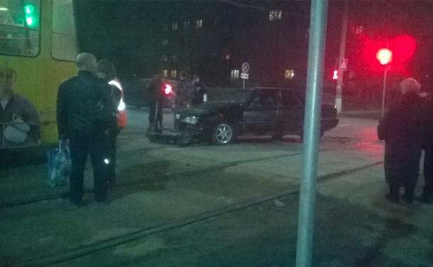 В Туле трое парней не могли определить, кто из них был за рулем во время ДТП
