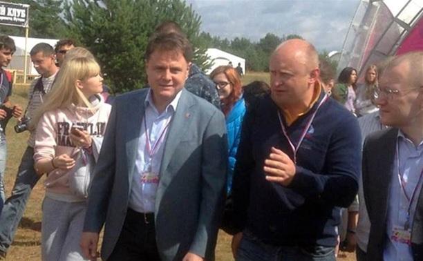 Владимир Груздев посетил Всероссийский образовательный форум «Селигер-2013»