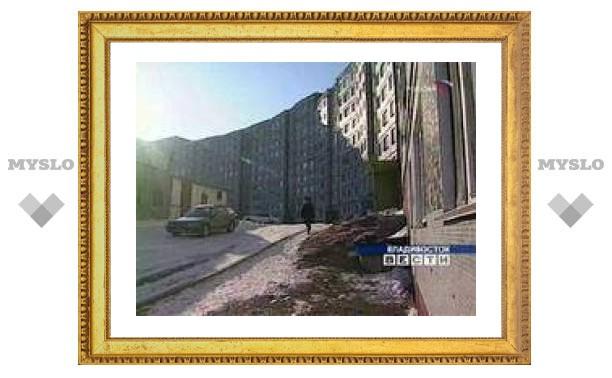 Во Владивостоке женщина зарезала судебного пристава