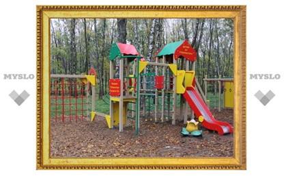 Владимир Груздев установит еще 38 детcких площадок