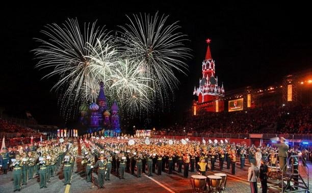Оркестр «Арсенал Брасс» и отряд барабанщиц «Виват Тула!» выступили в Москве