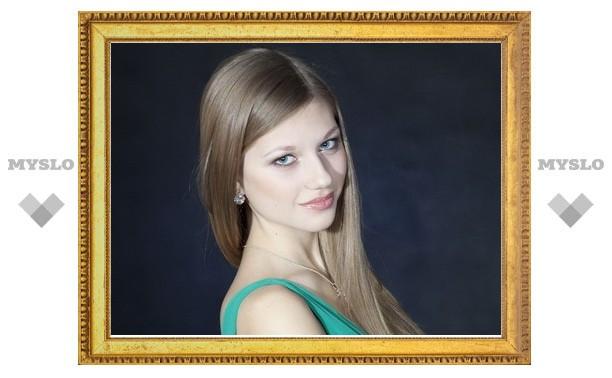Самая сексуальная Снегурочка MySLO.ru получила в подарок фотосессию