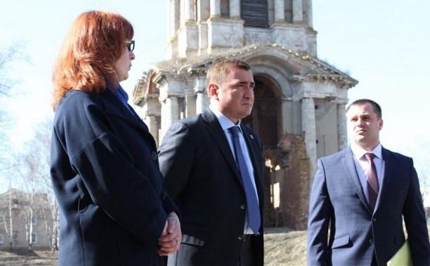В Веневском районе Алексей Дюмин  осмотрел Никольскую колокольню