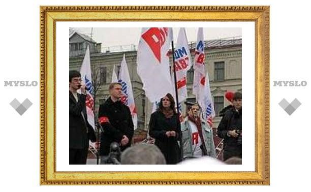 """""""Молодая гвардия"""" потребовала ускорить сокращение квоты на трудовых мигрантов"""