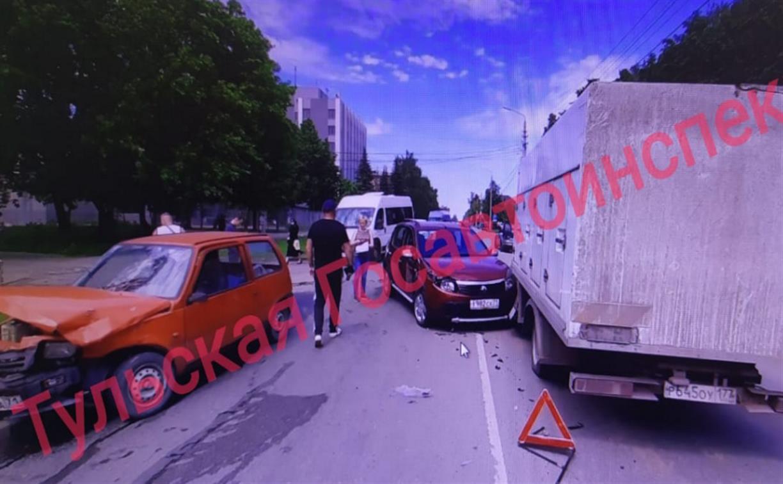 Пенсионерка на красной «Оке» устроила тройное ДТП на улице Кутузова