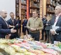 Представитель компании «Матяш» рассказал Алексею Дюмину о кукурузных палочках с сюрпризом