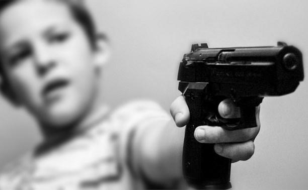 В Богородицком районе застрелился малолетний ребёнок