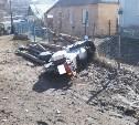 Под колёса автомобилей попали 15-летняя девочка и мотоциклист