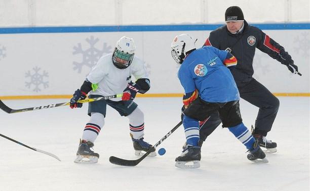 На Губернском катке в Туле состоялся семейный фестиваль хоккея