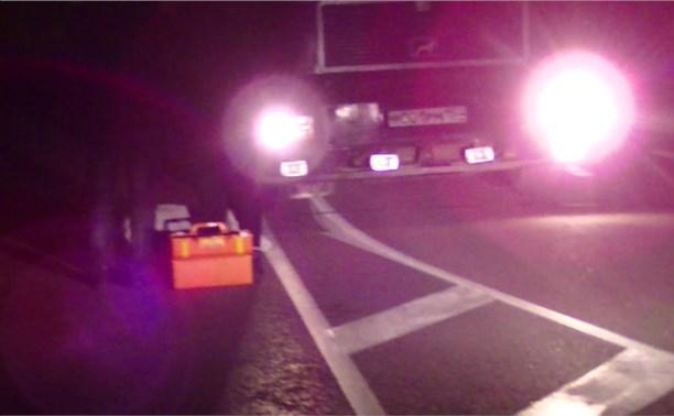 На трассе М2 девушка попала под колёса грузовика