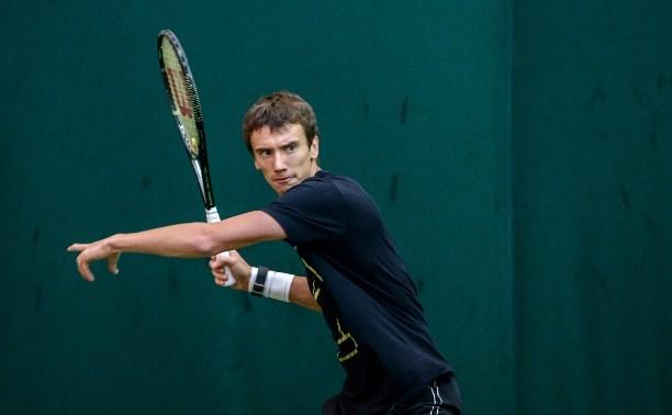 Теннисист Андрей Кузнецов одержал победу в первом круге турнира в Женеве
