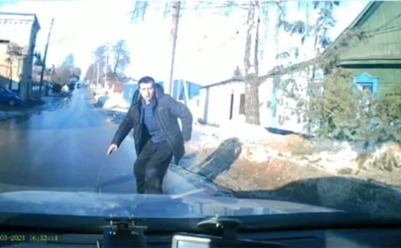Аферист хотел развести водителя из Богородицка, но не учел видеорегистратор в салоне