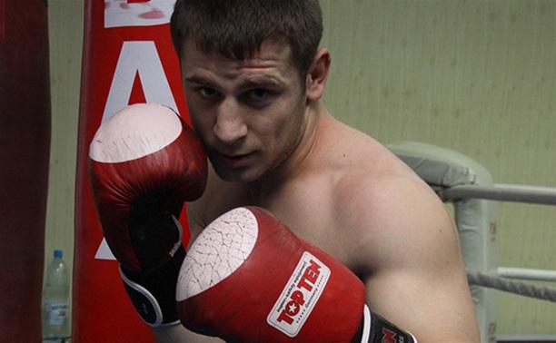 Тульский боксер вышел в четвертьфинал чемпионата страны