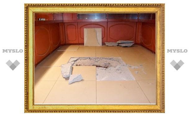 Обчистившие ювелирный салон в Алексине поживились на 15 млн рублей!