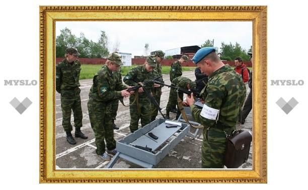 Под Тулой школьников забрали в армию