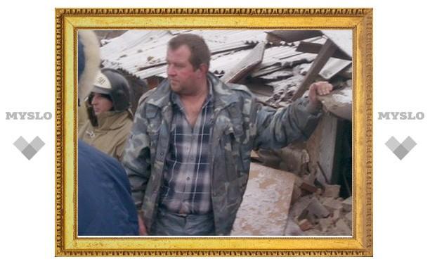 Хозяина дома, взорвавшегося из-за газового баллона, спасла от гибели упавшая сверху крыша