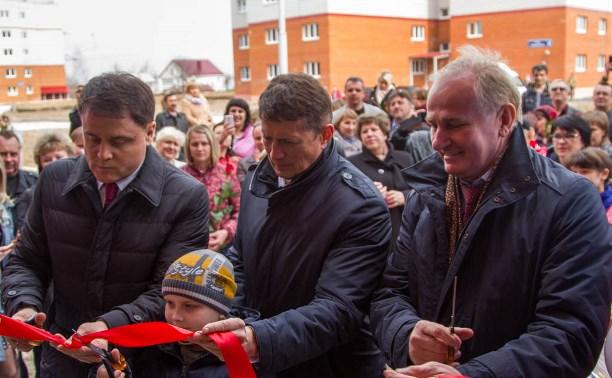 Еще 105 семей получили ключи от новых квартир в Скуратово