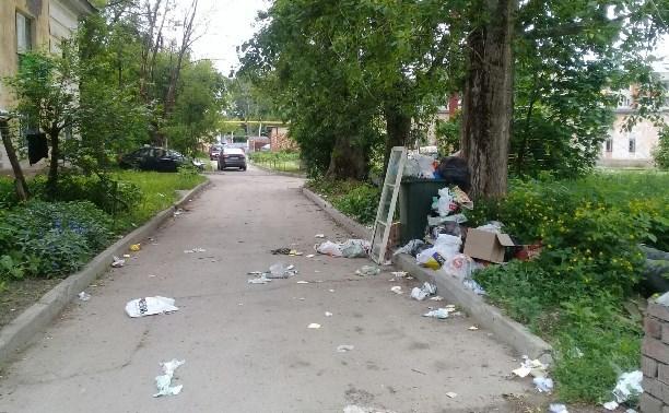 За неделю на УК «Фасад будущего» составили пять протоколов за невывезенный мусор