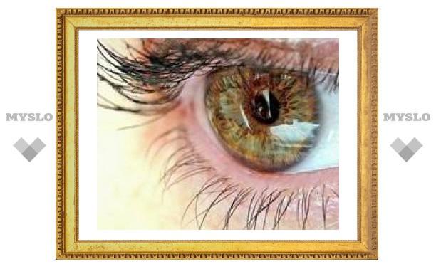 Двум слепым вернули зрение, имплантировав бионические глаза